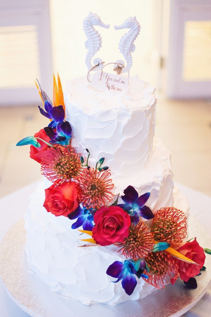 Little-mermaid-beach-wedding-cake