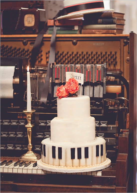 piano_wedding_cake_0