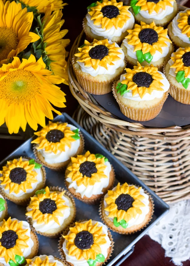 sunflowers-wedding-cupcake