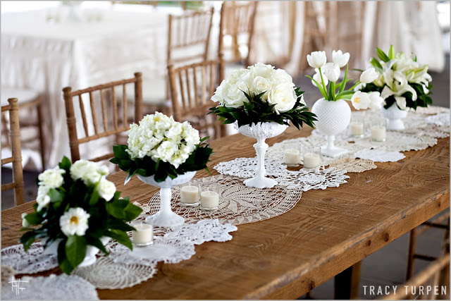 lace-doilies-table-runner-wedding-ideas12