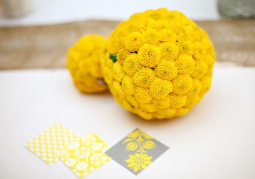 sunny-lemon-yellow-wedding-decor