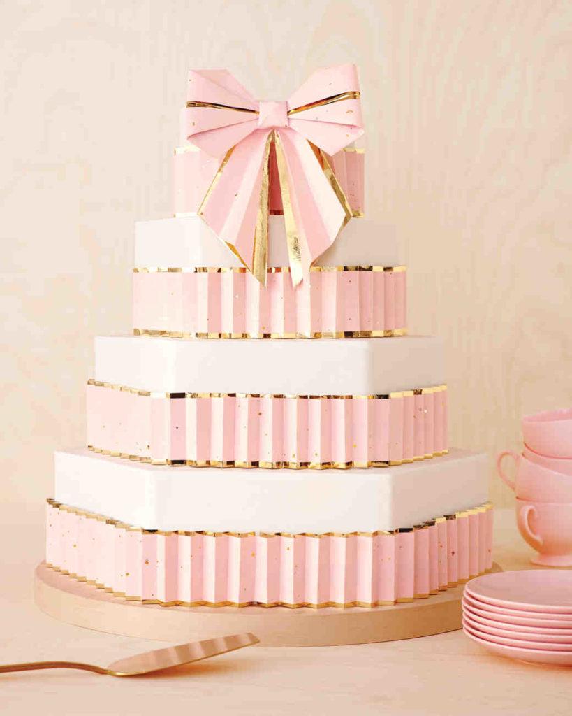paper-bow-cake-0045-mwd110757_vert
